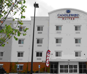 CANDLE WOOD SUITES.